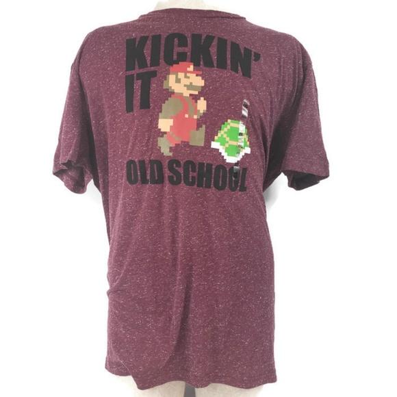 Super Mario Kickin It Old School 2XL TShirt NWT f1e75ebf0
